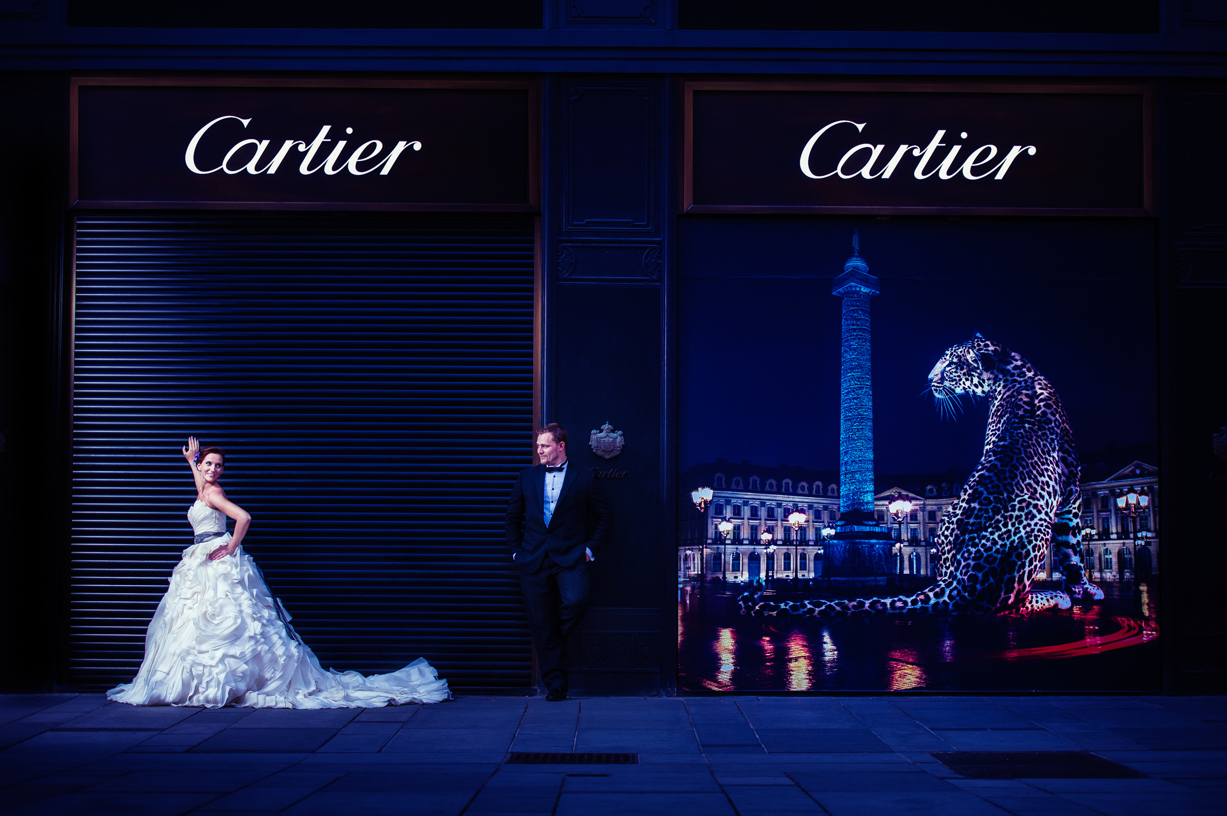 Couple outside Cartier - photo by Jozef Povazan Photography
