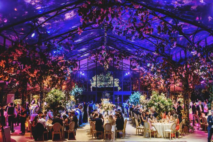 red-purple-blue-lighting-luxury-reception-in-glass-observatory-worlds-best-wedding-photos-ross-harvey-london-wedding-photographers