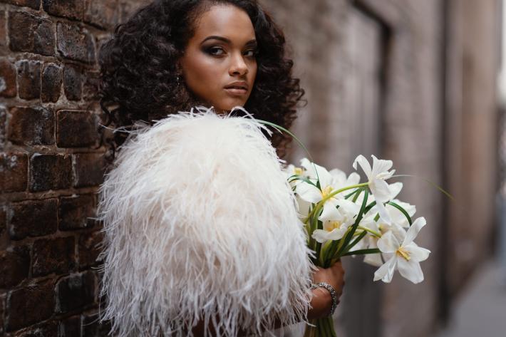 beautiful-portrait-of-a-bride-in-a-fur-shawl-photo-by-dark-roux