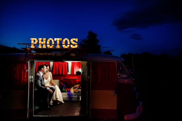 married-couple-in-vw-bus-photo-booth-hannah-photography