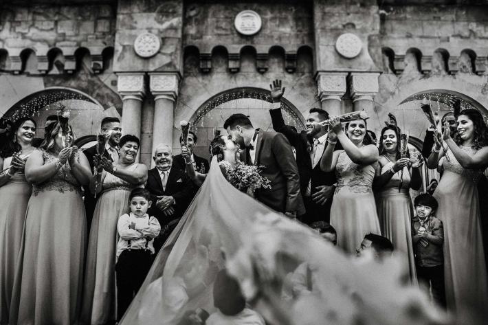 guests-clap-children-play-under-veil-area-da-fotografia-brazil-photographers.jpg (754.94 KB)
