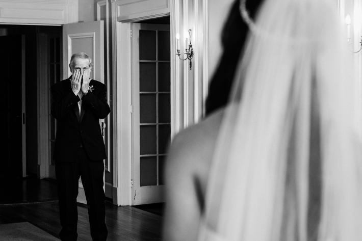 fathers-first-look-at-bride-kelli-wilke-photography